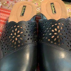 New Thom McAn black leather clog/mule-9 1/2